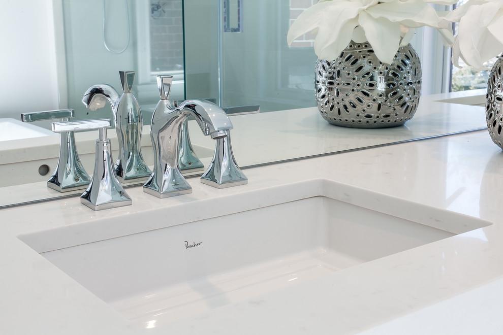 Klassisches Badezimmer in Toronto