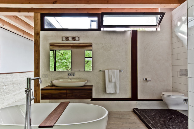 contemporary bathroom by Alexandre Parent