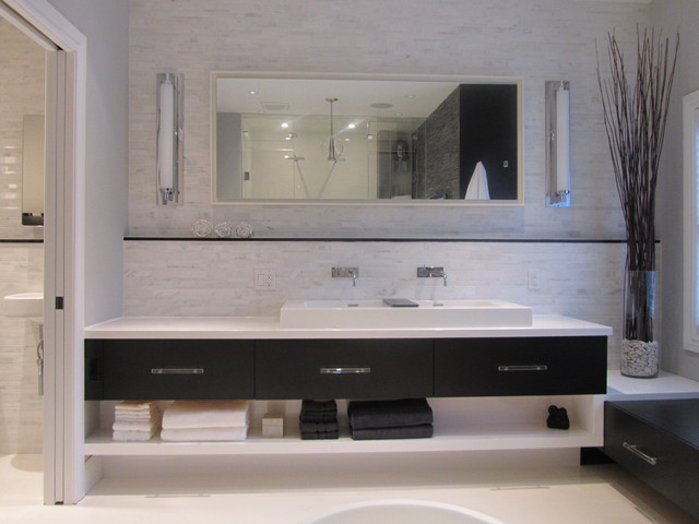 EDGY ELEMENTS modern-bathroom