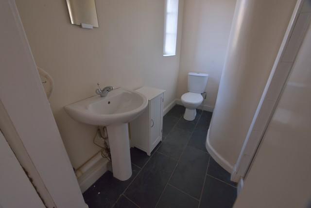 Edinburgh property sale instruction traditional bathroom for Bathroom ideas edinburgh