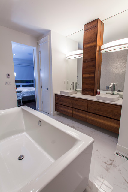 Edmonton modern custom infill modern bathroom for Bathroom ideas edmonton