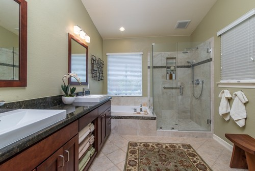 Remodel your bathroom without spending a lot iwilldecor How to redo your room without spending money