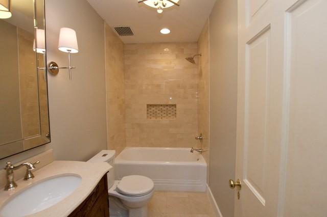 Elegant and warm crema marfil marble bathroom for Crema marfil bathroom ideas