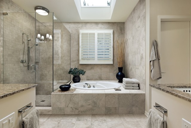 Elegant bathroom italian porcelain tiles for Fancy bathroom wall tiles