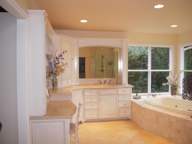 Elegant master bathroom for Elegant master bathrooms pictures