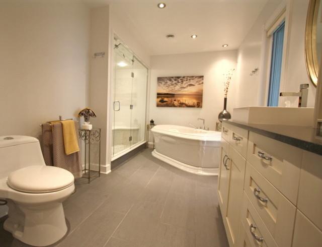 Elegant Master Bathroom Traditional Bathroom Toronto
