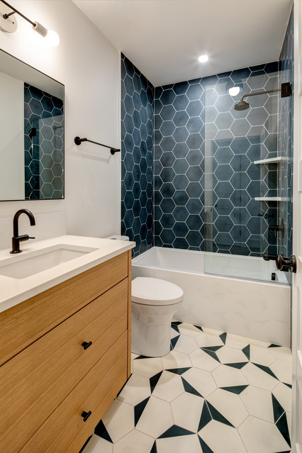 Shower Curtain With A Gl Tub Enclosure