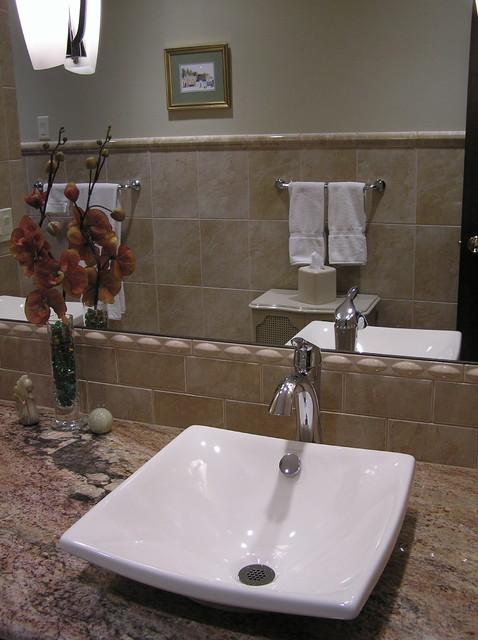 elizaBeth Marcocci CKD contemporary-bathroom