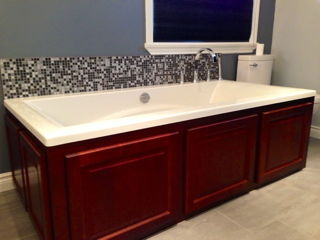 Empire Grove Traditional Bathroom Ottawa By Dalton