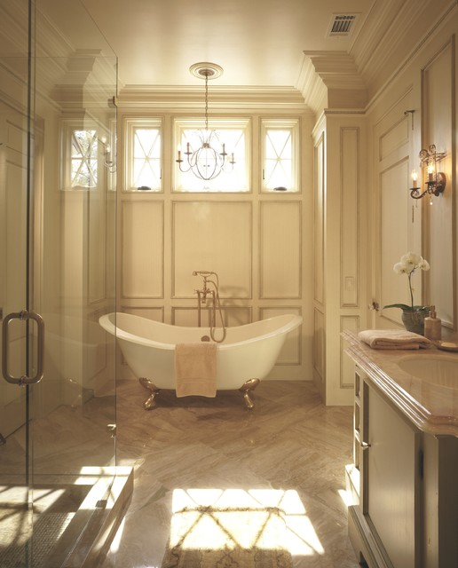 English Country Waterfront Traditional Bathroom