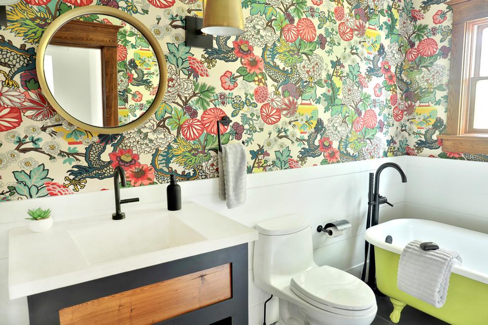 Minimalist bathroom photo