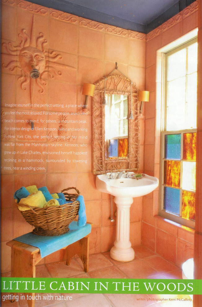 Example of an eclectic bathroom design in New Orleans