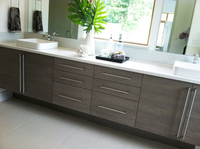 Custom Modern Bathroom Cabinets