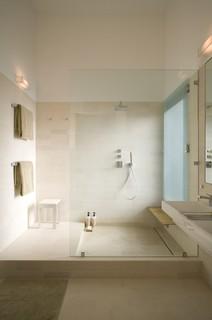 Fairfield House modern bathroom