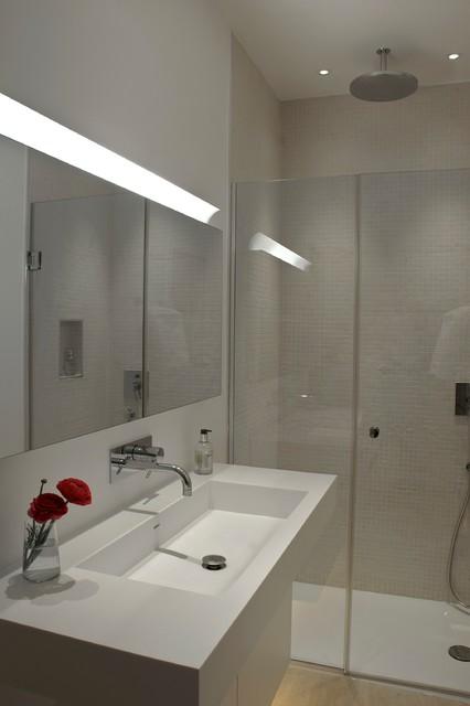 Family home richmond for Bathroom interior design richmond va