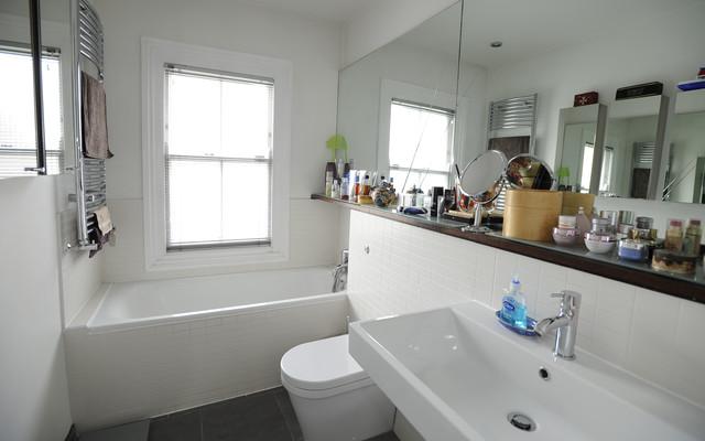 Family house in Wimbledon contemporary-bathroom