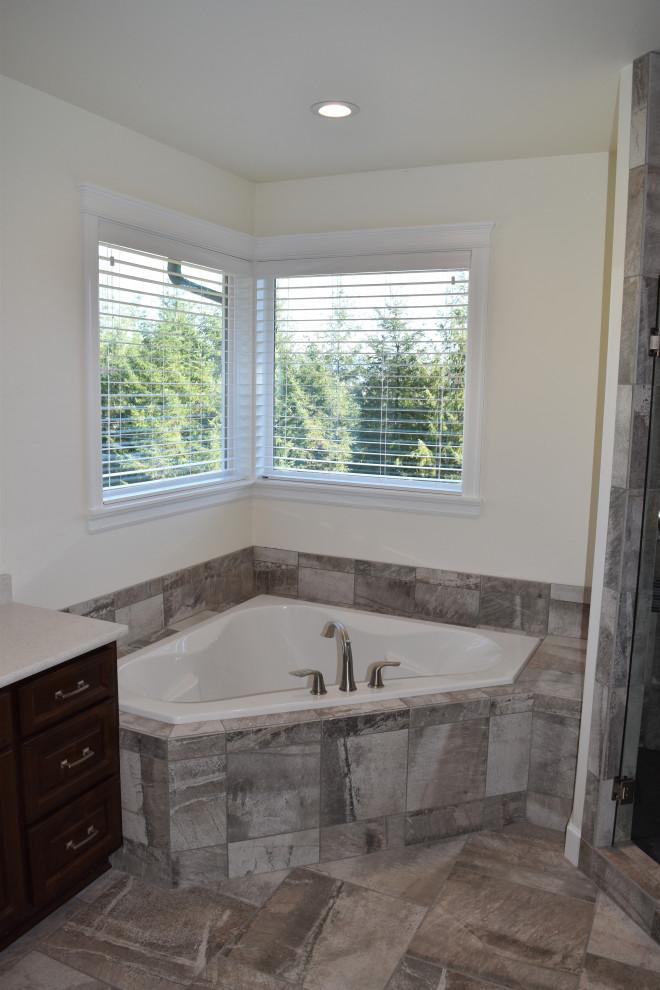 Farger Lake Residence - Traditional - Bathroom - Portland ...