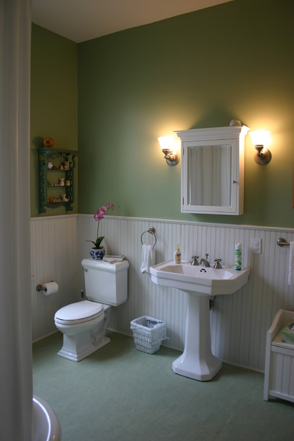 Farm House Renovation: Bathroom traditional bathroom
