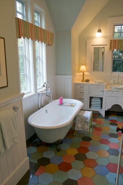Farmhouse Bathroom Design : All Rooms / Bath Photos / Bathroom