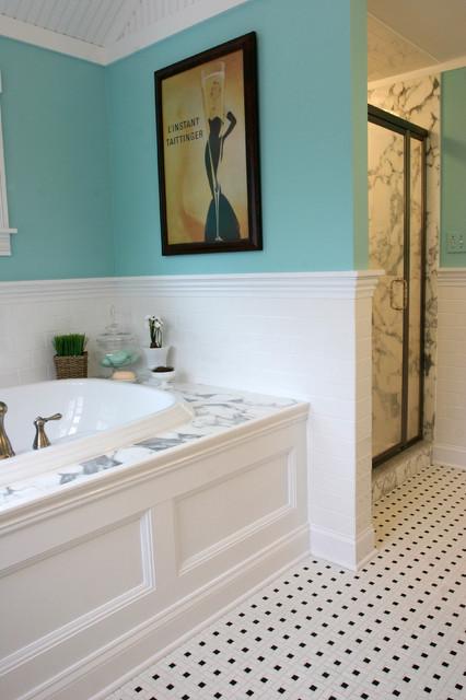 卫生间白色浴缸简欧风格装潢设计图片