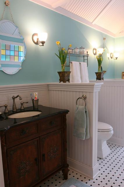 Farmhouse chic master bath farmhouse bathroom for Bathroom ideas farmhouse