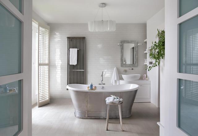 Farmhouse Inspired Bathroom Walls And Floors