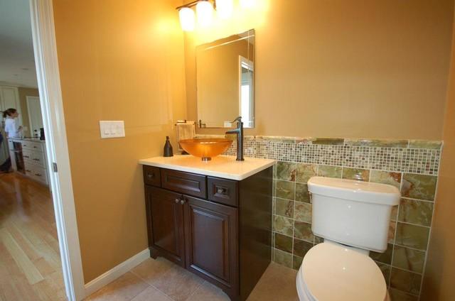 Featured kraftmaid designs traditional bathroom for Kraftmaid bathroom designs
