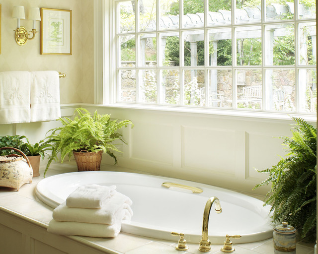 Boxwood traditional bathroom
