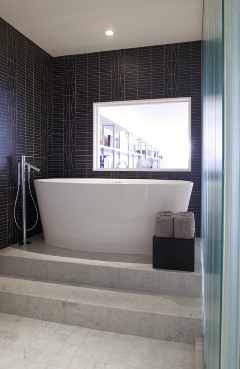 What Are The Best Bathroom Window Treatments