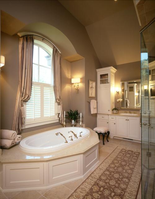Ferndale Road Residence Master Bathroom traditional-bathroom