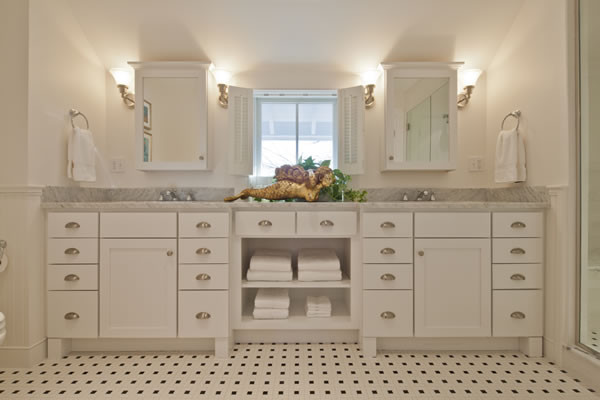 Filedstone White Shaker Vanity   Provincetown, MA Traditional Bathroom