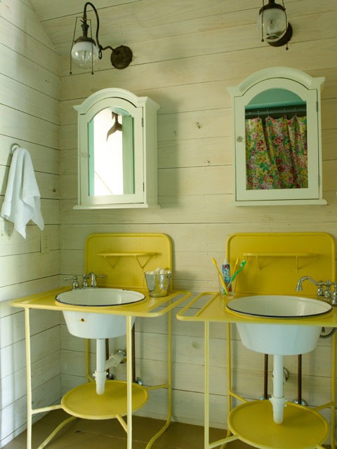 Fish Camp Beach Cottage - Beach Style - Bathroom - Miami - by ...