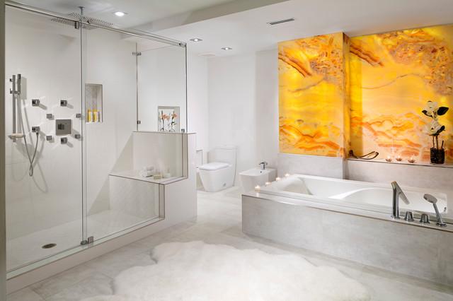 Fisher island contemporain salle de bain miami par - Appartement de luxe miami beach m butler ...