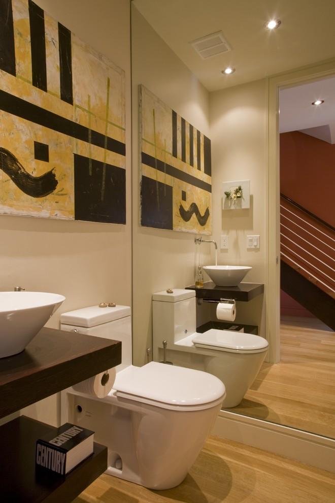 Example of a minimalist bathroom design in DC Metro
