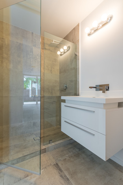 Fort Lauderdale Custom Home PoVP 500 Contemporary Bathroom Miami By