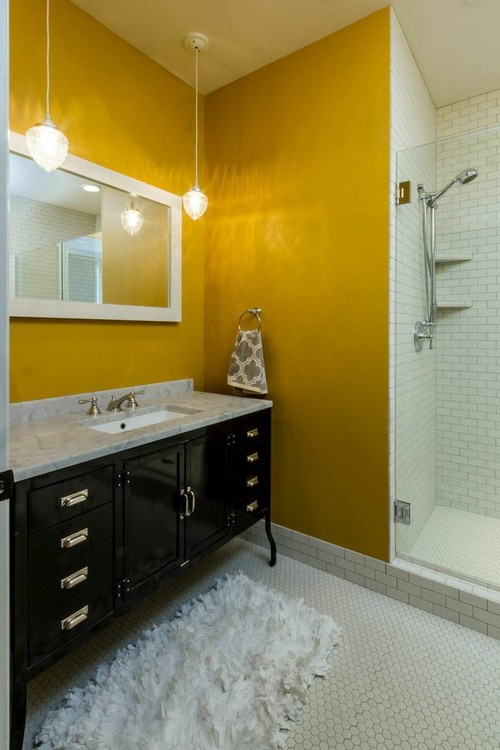 how black and yellow work together in a bathroom