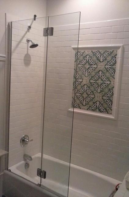 Frameless Glass Splash Guard For Tub Eclectic Bathroom
