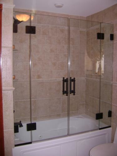 Frameless Pair of Doors with two Fixed Panels contemporary-bathroom