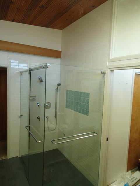 Frameless Shower Hydroslide 90 bathroom