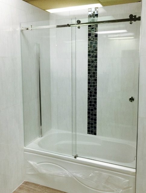 Frameless sliding glass shower door vancouver shower for Sliding glass doors vancouver