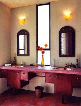 Francisco Marquez mediterranean bathroom