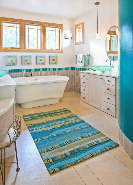 Frank Lloyd Wright Inspired House Craftsman Bathroom
