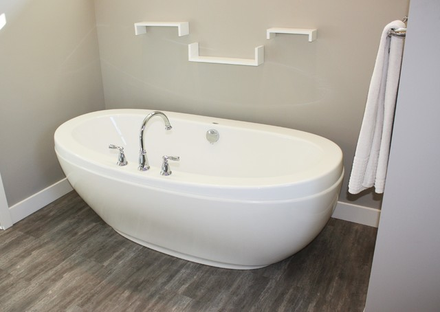 Free Standing Tub - Craftsman - Bathroom - Other - by Tina Moizer Designs
