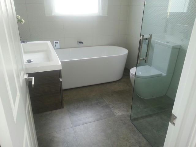 Innovative  Villa  Contemporary  Bathroom  Auckland  By Bathrooms By Design NZ
