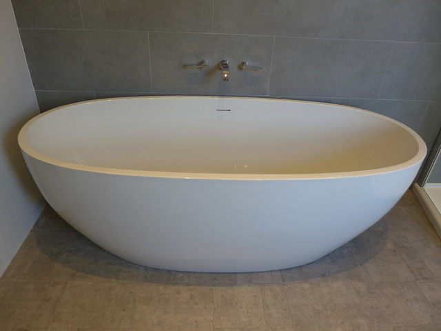 freestanding bath with wall mounted taps - Contemporary - Bathroom ...
