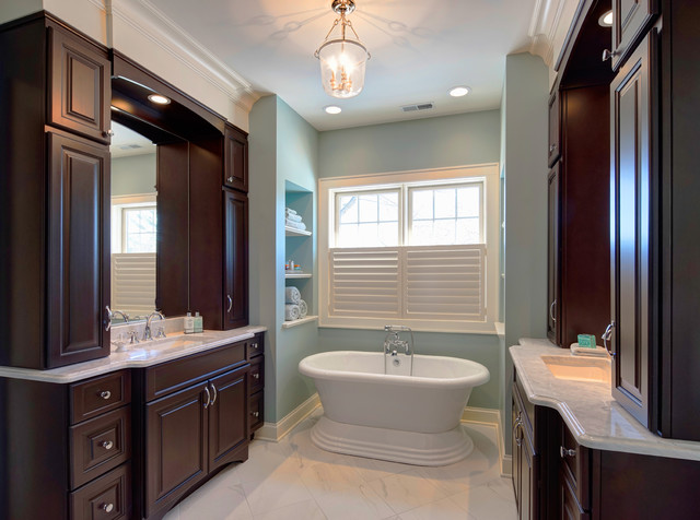 Fresh And So Clean Transitional Bathroom Chicago By Insignia Kitchen And Bath Design Studio
