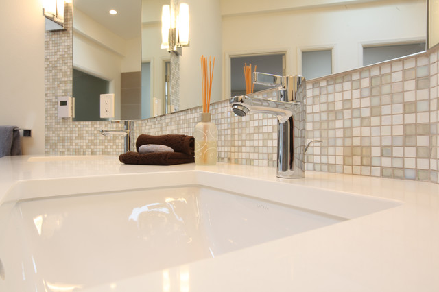 From Mid Century To Contemporary Master Bathroom Midcentury Bathroom Seattle By Id By Gwen
