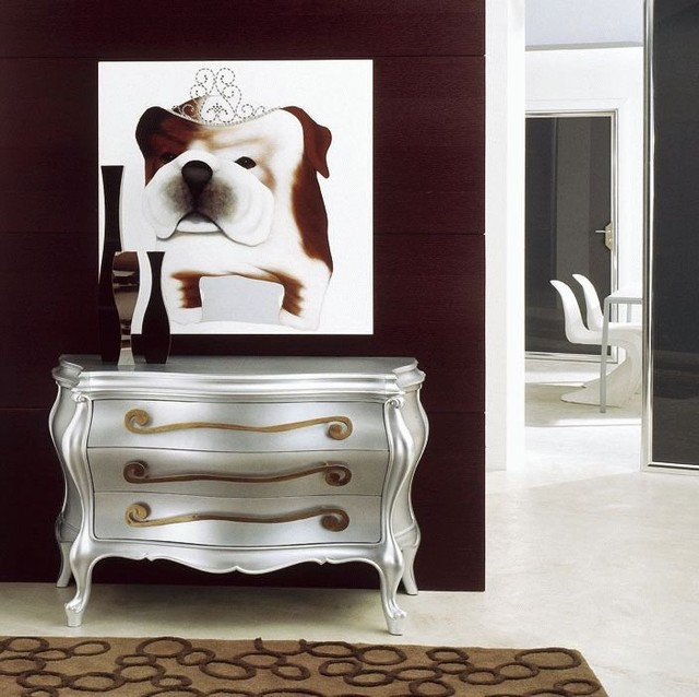 Furniture and painting  at Lea Bassani  bathroom