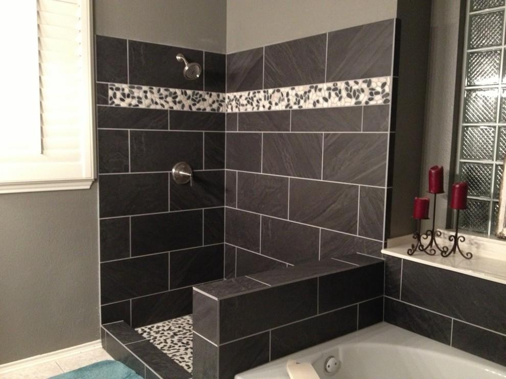 Example of a trendy bathroom design in Nashville