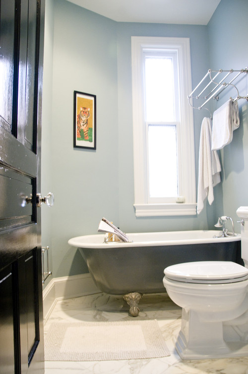 Looks like a small bathroom. What size clawfoot tub did you go with?